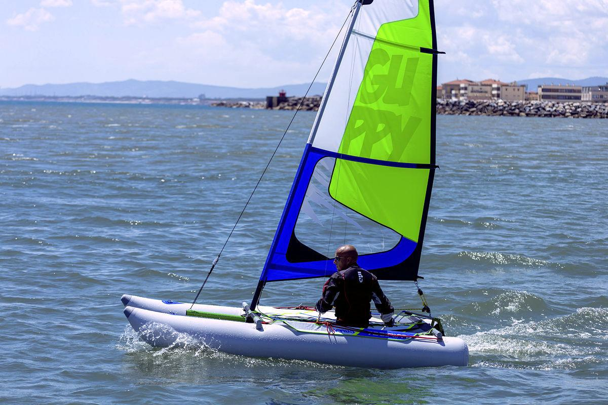 Catamaran transportable MiniCat Guppy