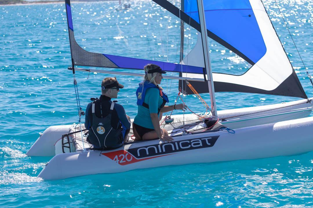 catamaran gonflable minicat 420 Emotion